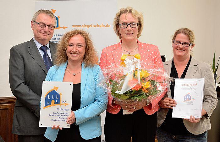 v.l.n.r.: Herr Kratz, Frau Rosowski, Frau Richert, Frau Brauckmann